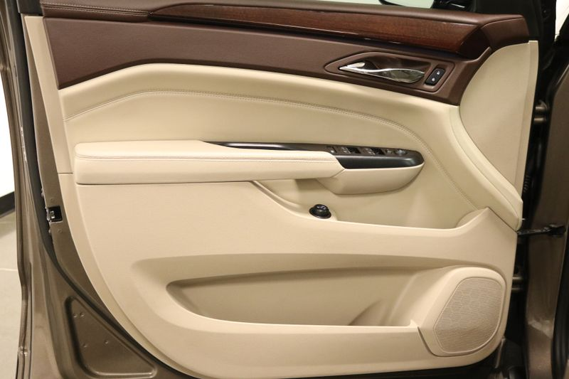 2015 Cadillac SRX Luxury Collection  city NC  The Group NC  in Mansfield, NC