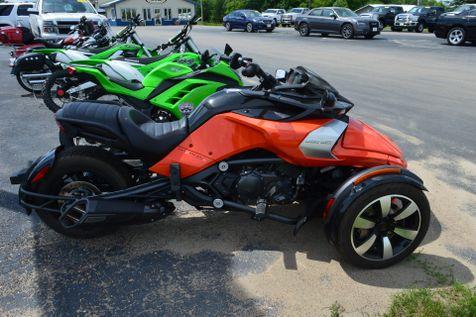 2015 Can-Am™ Spyder F3  in Alexandria, Minnesota