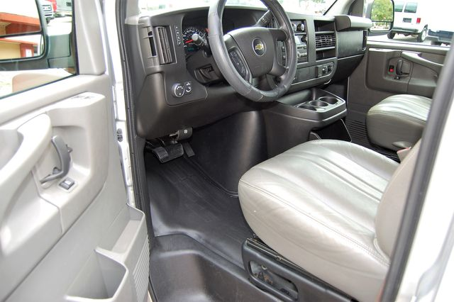 2015 Chevrolet 12 Pass. LS Charlotte, North Carolina 4