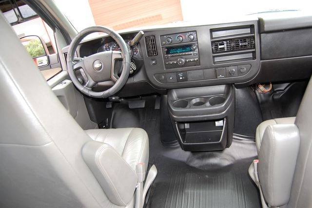 2015 Chevrolet 12 Pass. LS Charlotte, North Carolina 14