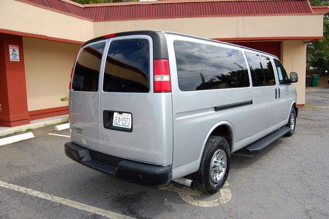 2015 Chevrolet 12 Pass. LS Charlotte, North Carolina 2