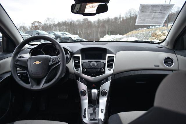 2015 Chevrolet Cruze LS Naugatuck, Connecticut 13
