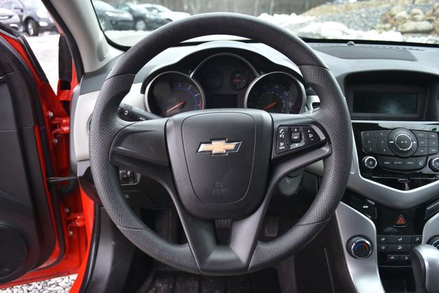 2015 Chevrolet Cruze LS Naugatuck, Connecticut 16