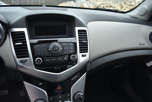 2015 Chevrolet Cruze LS Naugatuck, Connecticut 17