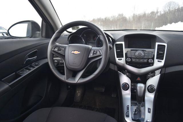2015 Chevrolet Cruze LT Naugatuck, Connecticut 15