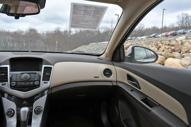 2015 Chevrolet Cruze LT Naugatuck, Connecticut 19
