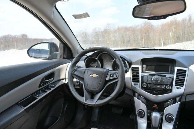 2015 Chevrolet Cruze LS Naugatuck, Connecticut 10