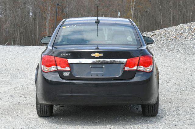 2015 Chevrolet Cruze LS Naugatuck, Connecticut 5