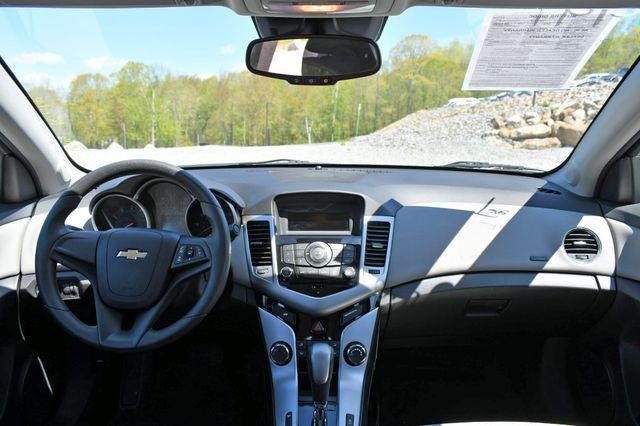 2015 Chevrolet Cruze LS Naugatuck, Connecticut 18