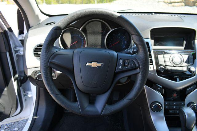 2015 Chevrolet Cruze LS Naugatuck, Connecticut 22