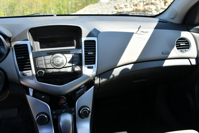 2015 Chevrolet Cruze LS Naugatuck, Connecticut 23