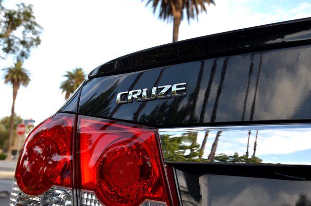 2015 Chevrolet Cruze LT Reseda, CA 26