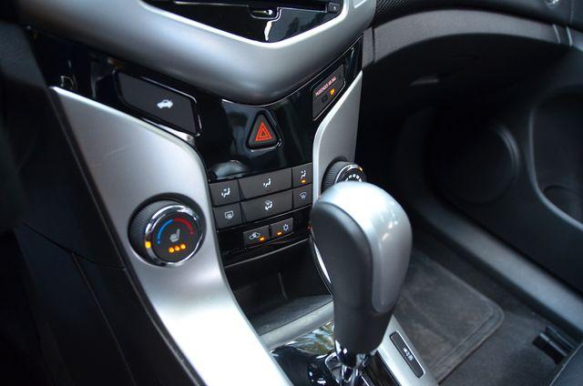 2015 Chevrolet Cruze LT Reseda, CA 29
