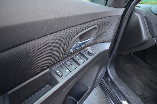 2015 Chevrolet Cruze LT Reseda, CA 44