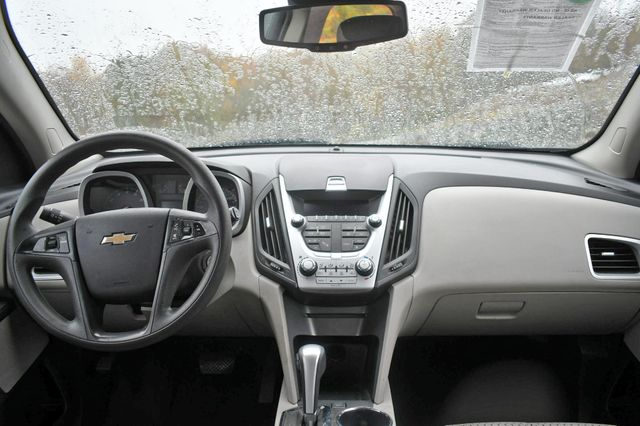 2015 Chevrolet Equinox LS Naugatuck, Connecticut 10