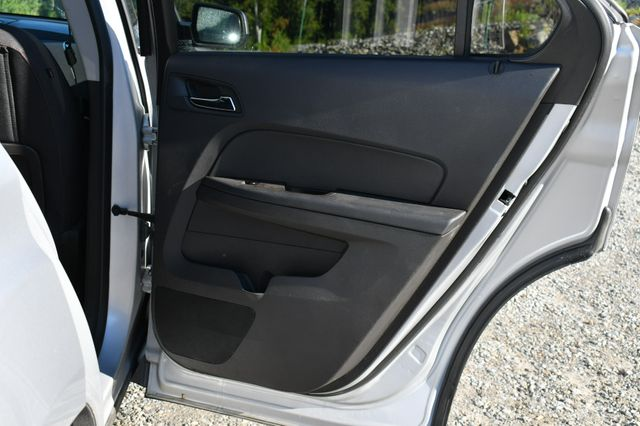 2015 Chevrolet Equinox LT AWD Naugatuck, Connecticut 13