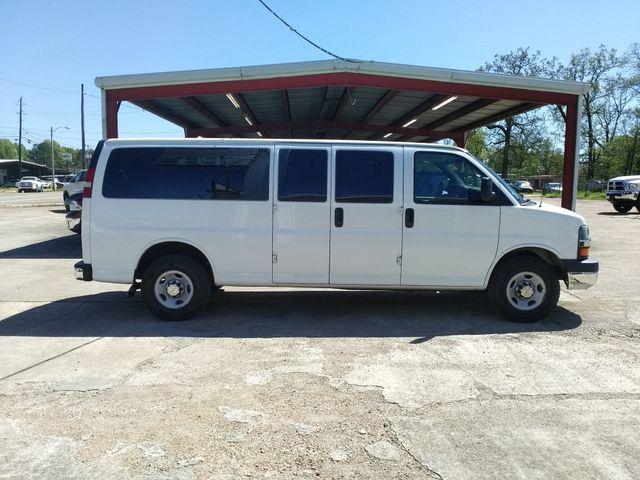 2015 Chevrolet Express  15 Passenger LT Houston, Mississippi 3
