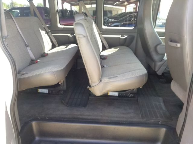 2015 Chevrolet Express  15 Passenger LT Houston, Mississippi 8