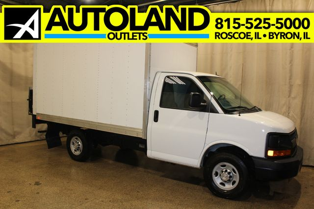 2015 Chevrolet Express box truck tommy gate