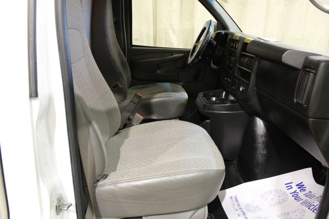 2015 Chevrolet Express Commercial Cutaway in Roscoe, IL 61073