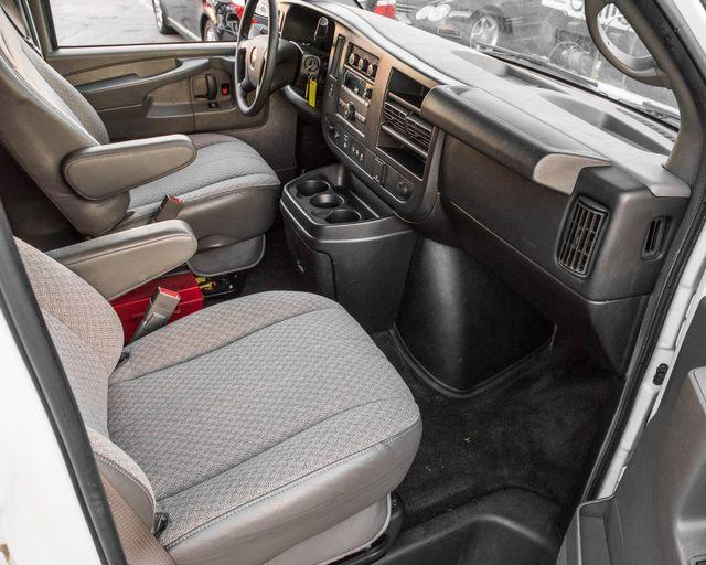 2015 Chevrolet Express Passenger LT Burbank, CA 19