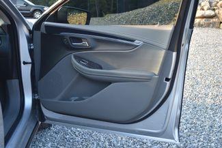 2015 Chevrolet Impala LT Naugatuck, Connecticut 8