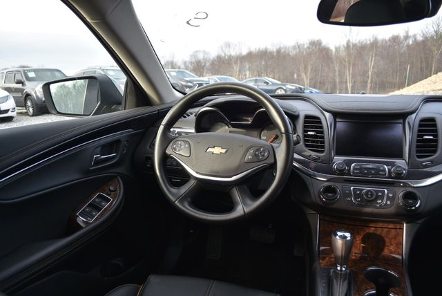 2015 Chevrolet Impala LT Naugatuck, Connecticut 15