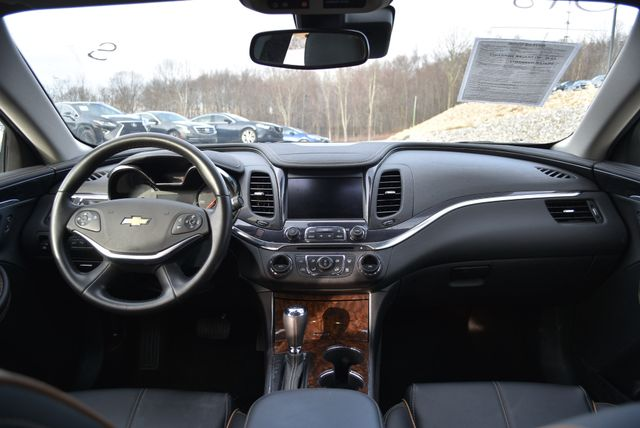 2015 Chevrolet Impala LT Naugatuck, Connecticut 16