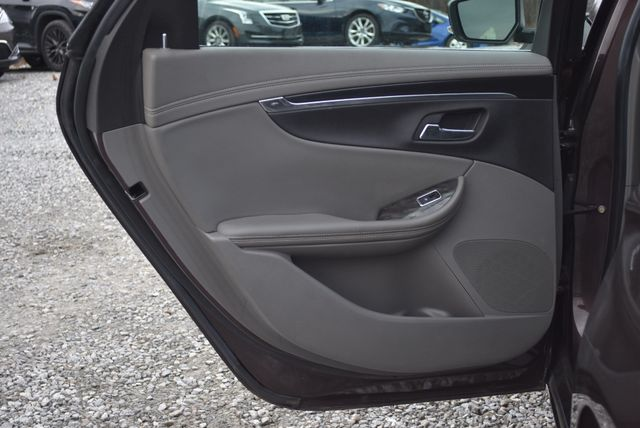2015 Chevrolet Impala LT Naugatuck, Connecticut 12
