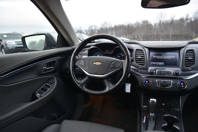 2015 Chevrolet Impala LT Naugatuck, Connecticut 15