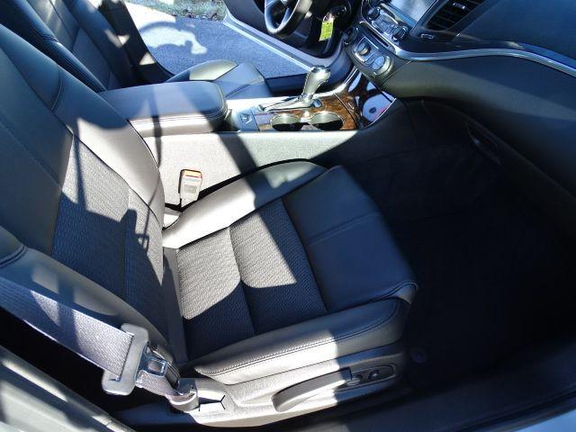 2015 Chevrolet Impala LT Valparaiso, Indiana 11