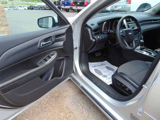 2015 Chevrolet Malibu LT Alexandria, Minnesota 11