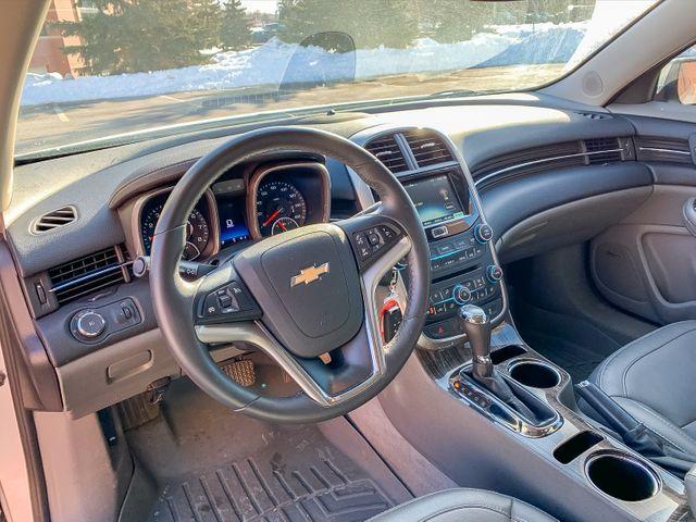 2015 Chevrolet Malibu 2LT Maple Grove, Minnesota 8
