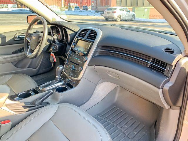 2015 Chevrolet Malibu 2LT Maple Grove, Minnesota 9