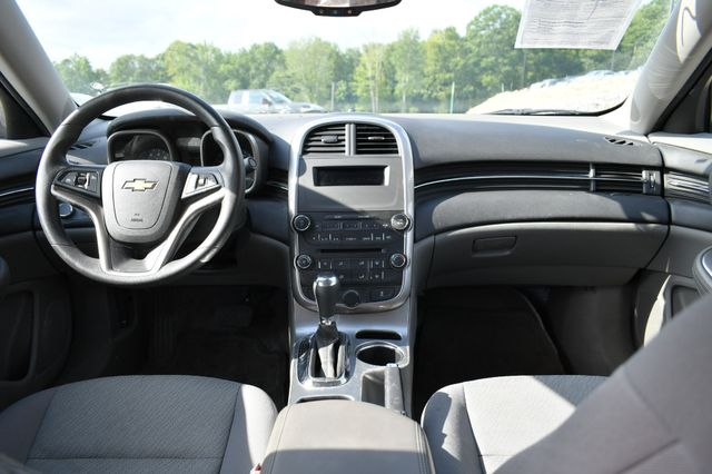 2015 Chevrolet Malibu LS Naugatuck, Connecticut 12