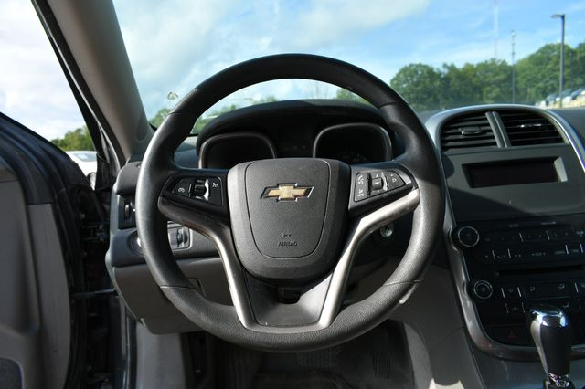 2015 Chevrolet Malibu LS Naugatuck, Connecticut 14