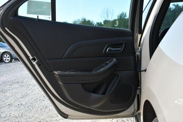 2015 Chevrolet Malibu LT Naugatuck, Connecticut 12