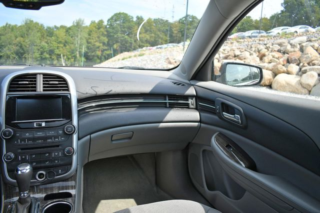 2015 Chevrolet Malibu LT Naugatuck, Connecticut 17