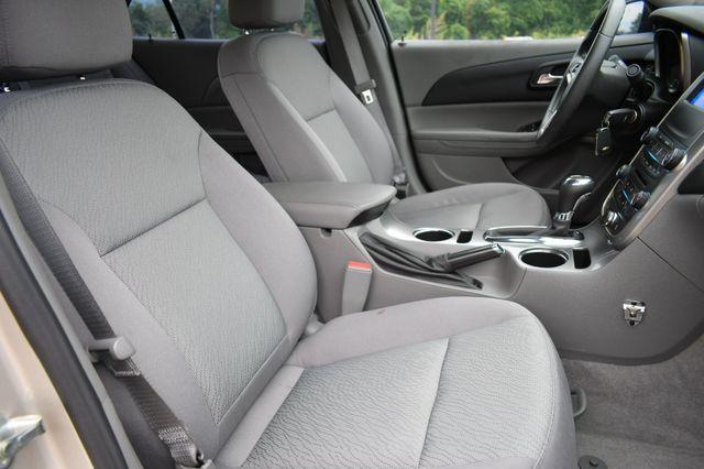 2015 Chevrolet Malibu LS Naugatuck, Connecticut 10