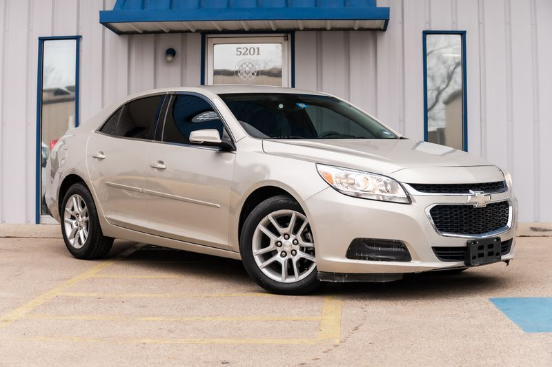 2015 Chevrolet Malibu LT AUTO TRANSMISSION BACKUP CAMERA GREAT SHAPE in Rowlett, Texas