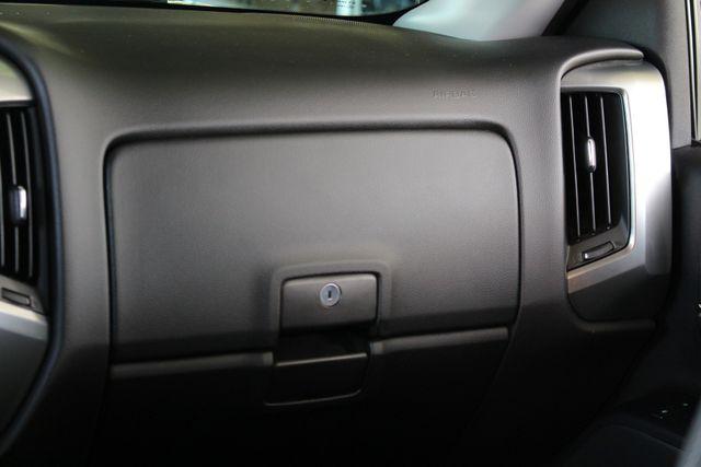 2015 Chevrolet Silverado 1500 LT Mooresville , NC 3