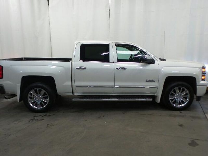 2015 Chevrolet Silverado 1500 High Country  in Victoria, MN