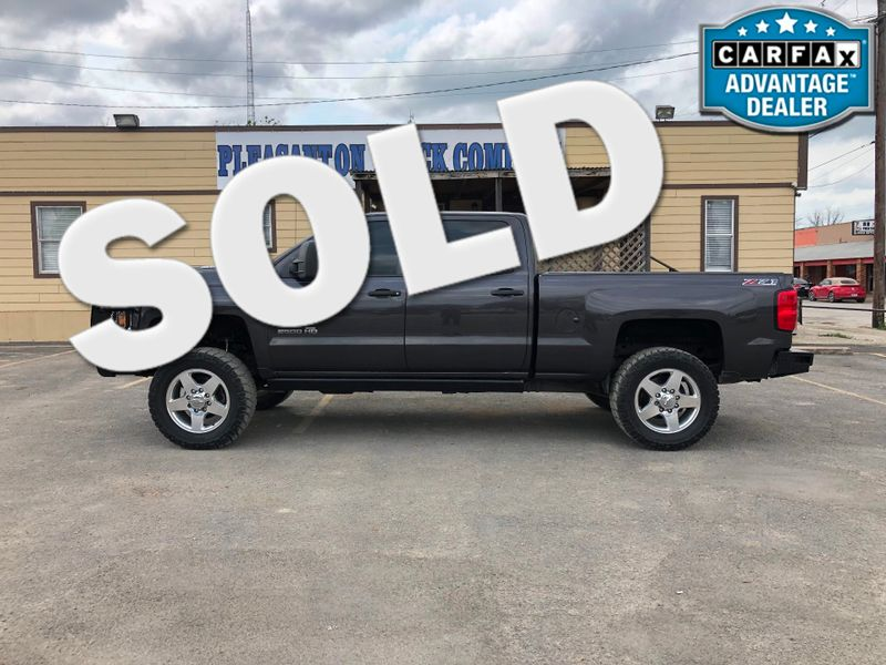 2015 Chevrolet Silverado 2500HD Built After Aug 14 LT | Pleasanton, TX | Pleasanton Truck Company in Pleasanton TX