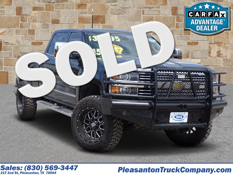 2015 Chevrolet Silverado 2500HD Built After Aug 14 High Country | Pleasanton, TX | Pleasanton Truck Company in Pleasanton TX