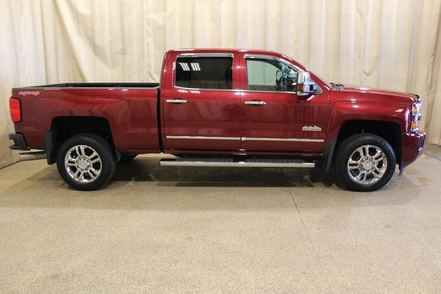 2015 Chevrolet Silverado 2500HD Built After Aug 14 High Country diesel 4x4 in Roscoe, IL 61073