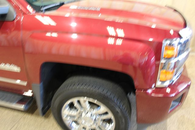 2015 Chevrolet Silverado 2500HD Built After Aug 14 High Country diesel 4x4 in Roscoe IL, 61073
