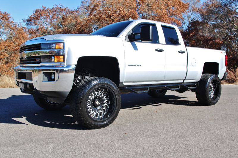 2015 Chevrolet Silverado 2500HD LT - Lifted w 22s