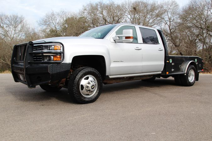 2015 Chevrolet Silverado 3500HD in Liberty Hill , TX