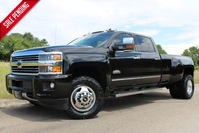 2015 Chevrolet Silverado 3500HD Built After Aug 14 High Country in Temple, TX 76502