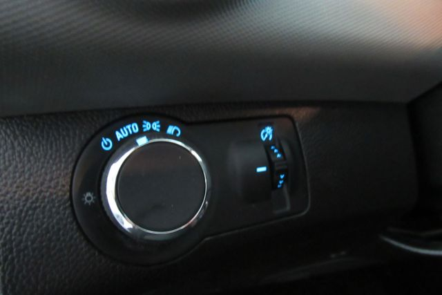 2015 Chevrolet Sonic LT Chicago, Illinois 22